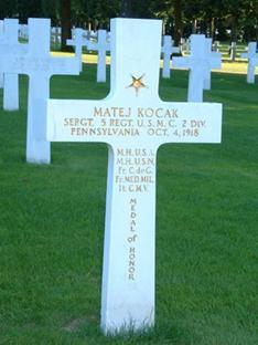 Kríž nad hrobom Mateja Kocáka v Meuse/Argone